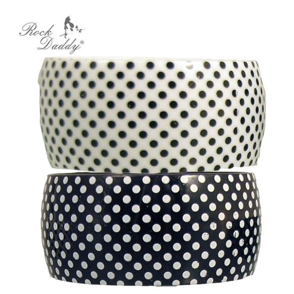 Bracelet in white<br> with black spots<br>and black