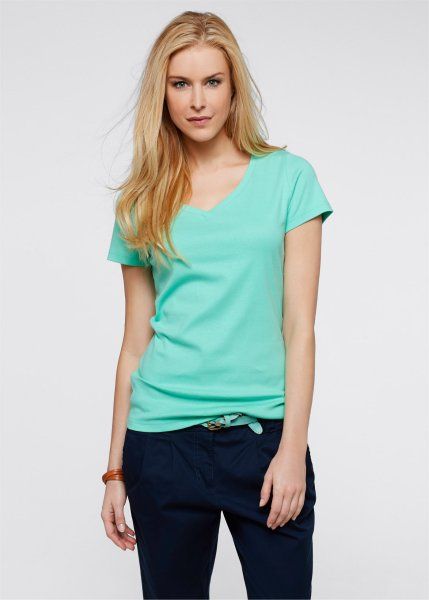 V-Neck Long Shirt<br>mint in large sizes