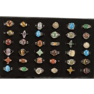 Gamma di anelli di<br>pietra naturale