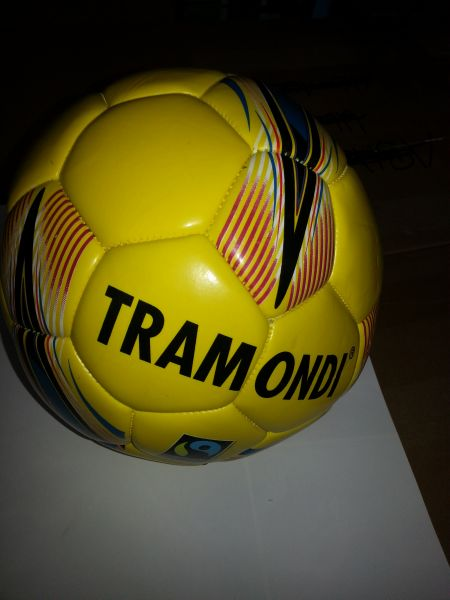 Fussball Tramondi gelb