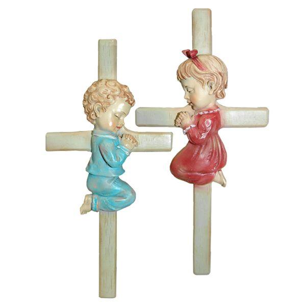 Kreuz mit Junge und Mädchen Taufe
