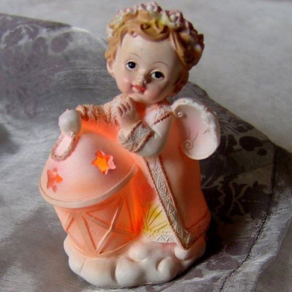 Engel Figur mit LED Licht
