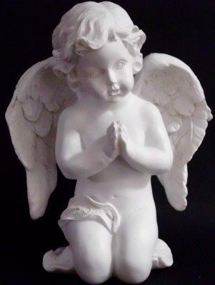 Prayer angel with wings
