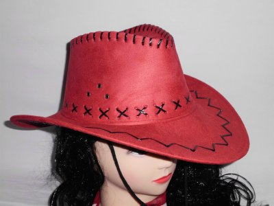 Red cowboy hat<br>made of suede look