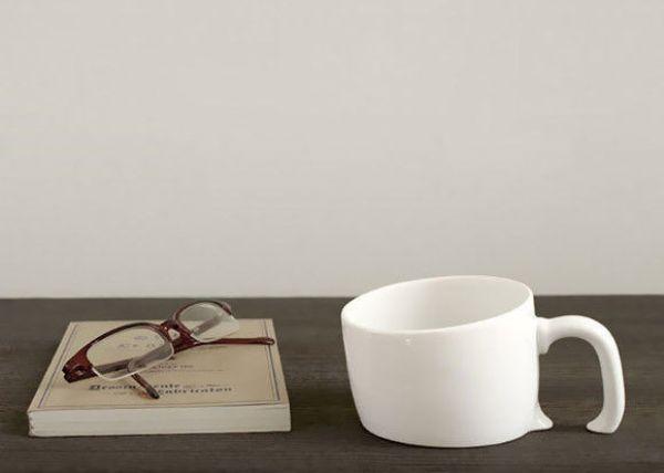 Sinking mug - white