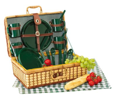 Picnic basket with plastic cutlery for