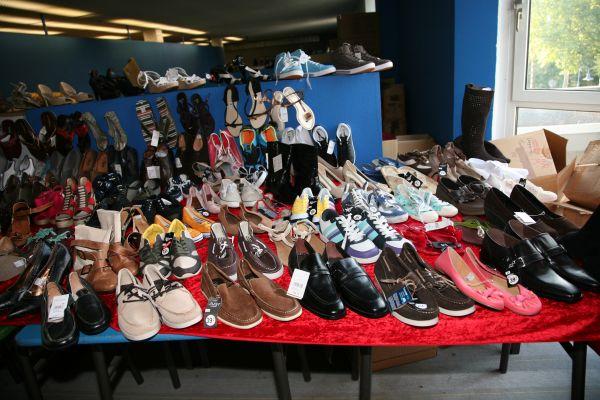 Schuhe aus modalfa läden  Damen und Herren