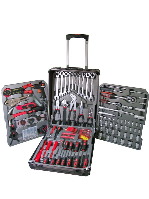Toolset in trolley red with ratchet wrenchers (186