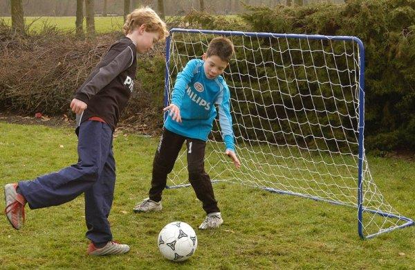 Soccer goal.<br>(182x122x61cm)