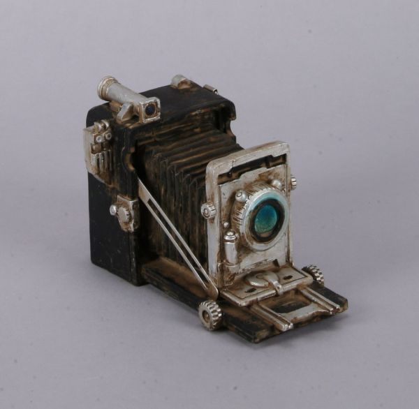 DECO CAMERA /<br>POLY, dim = 10x16 cm