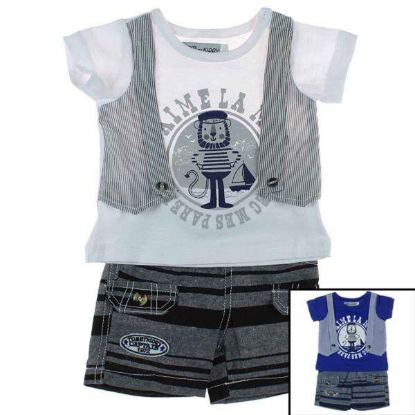 T-Shirt mit einem<br>Baby Shorts.