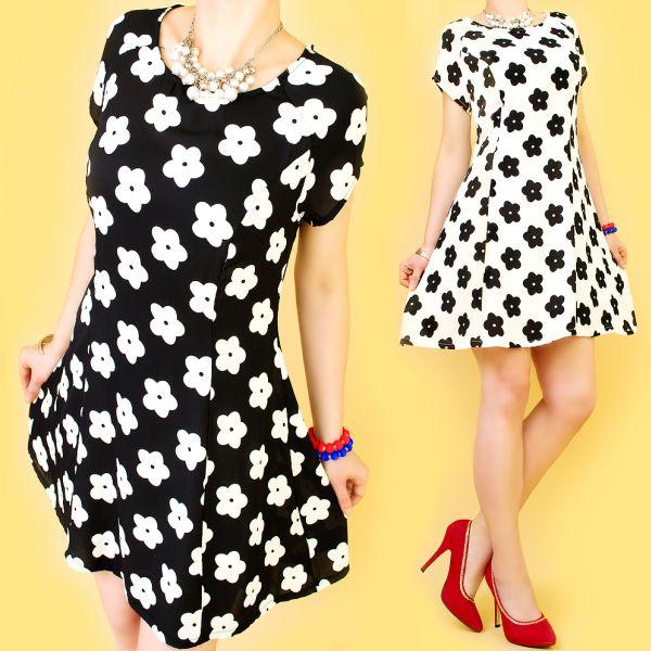 Mädchenhaft,<br> Ausgestelltes<br>Kleid, Retro Blumen