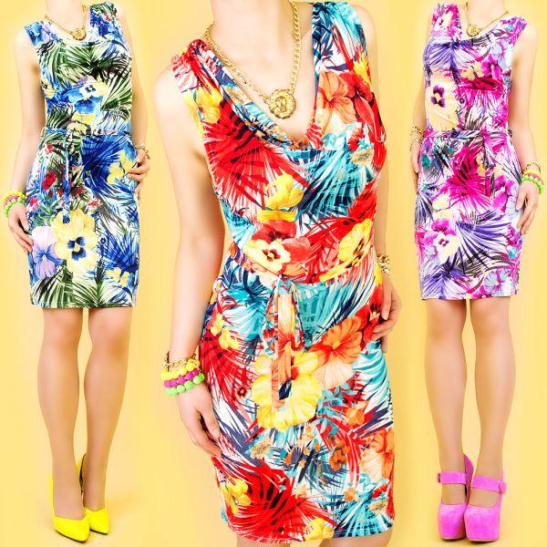 DRESS, In<br> BEAUTIFUL FLOWERS,<br>WATER NECKLINE