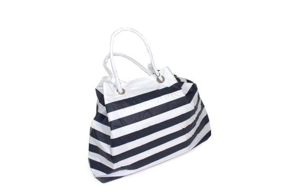 Beach bag Emporio<br>Armani.