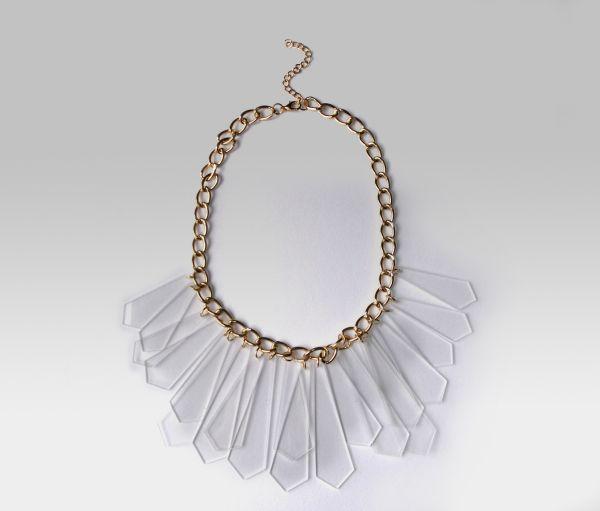 Goldene Halskette<br> - Halsband<br>transparent Details