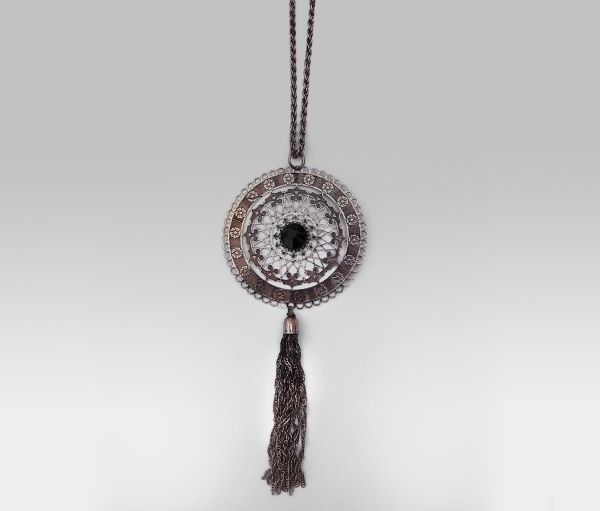 Long necklace -<br> chain with stone<br>and fringes