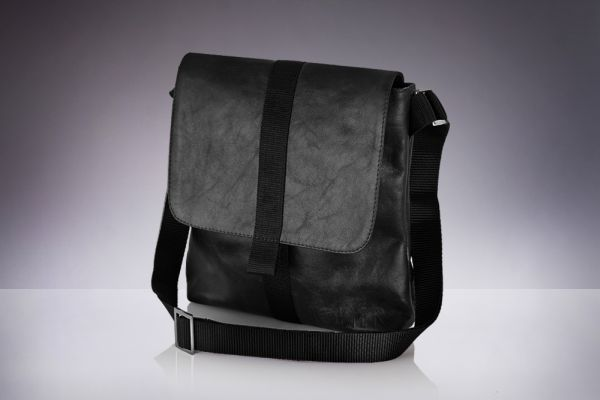 Leather shoulder<br> bag for men tablet<br>Solier Messel
