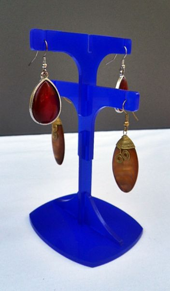Dangling earrings<br> jewelry stand,<br>acrylic, 540