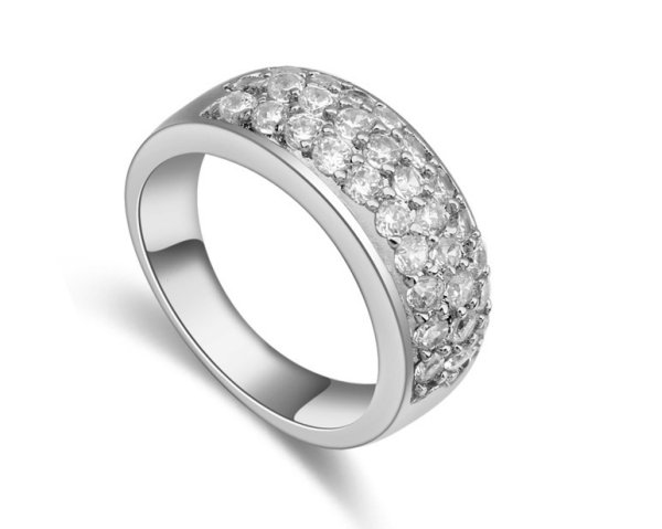 rhodium plated<br> ring mounted in co<br>Zirconias